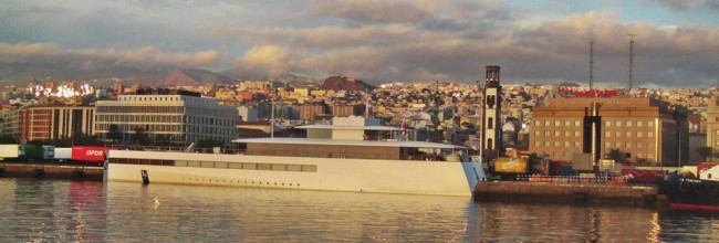 El yate de Steve Jobs hace escala en Tenerife