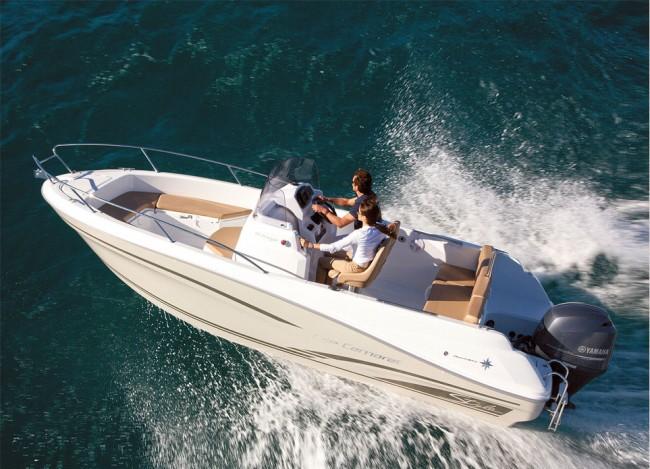 (Español) Jeanneau Cap Camarat 6.5 serie 2, un barco deportivo y elegante