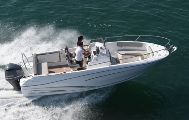 Nueva Jeanneau Cap Camarat 7.5, más elegante y deportiva