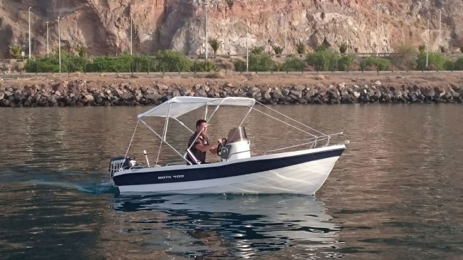 Entregamos un bote de 4 metros de eslora totalmente equipado