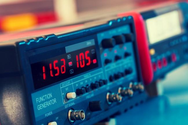 (Español) ¿Cómo pedir ayuda por VHF desde una embarcación?