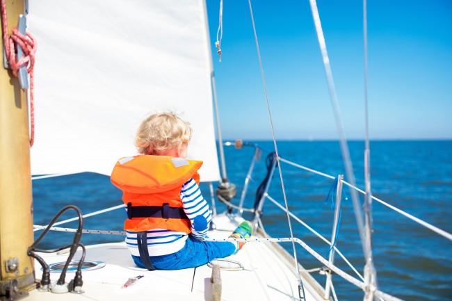 ¿Cómo navegar con niños a bordo?