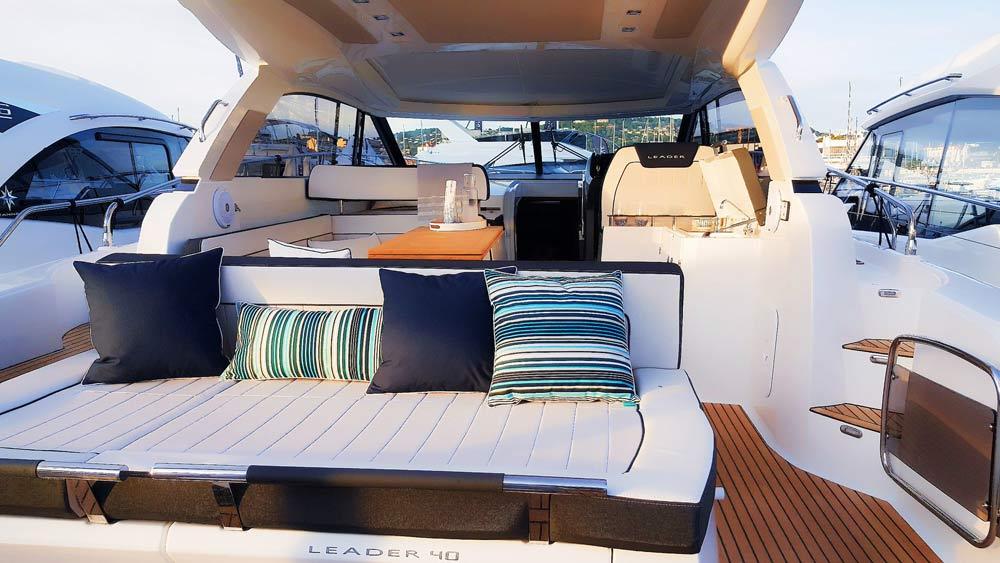 diseño interior barcos jeanneau