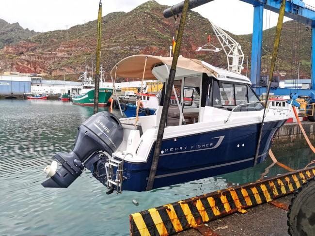 (Español) La última entrega por parte de Náutica y deportes. Una embarcación Jeanneau Merry Fisher 605.